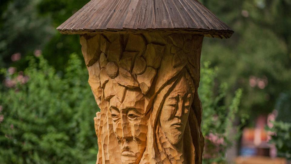 rzeżba drewniana